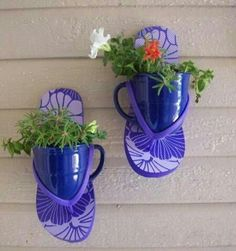 flip-flop planter. would also look cute using sand buckets !