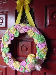 Easter fabric flower wreath flowers and yoyos with button centers Wreath Crafts, Diy Wreath, Diy Crafts, Door Wreaths, Handmade Crafts, Easter Fabric, Love Holidays, Easter Crafts, Easter Ideas