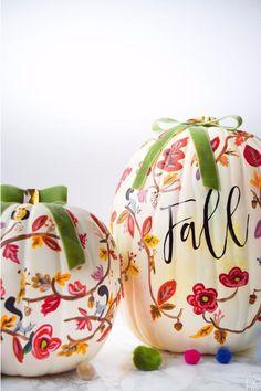 Fall Decorating Ideas | No Carve Pumpkin Ideas | Lily Pulitzer inspired floral pumpkins