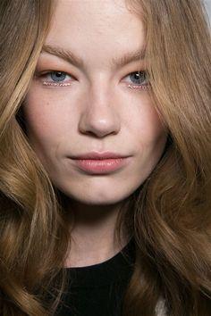 Glamorous eye makeup at RODARTE AW2015 Makeup Beauty FACES Runway www.faces.ch/runway