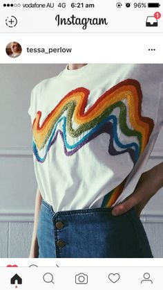 Rainbow textiles embroidery inspiration t-shirt Mode Chic, Mode Style, Jeans Et T-shirt, Diy Fashion, Ideias Fashion, Classy Fashion, Outfit Stile, Diy Vetement, Diy Mode