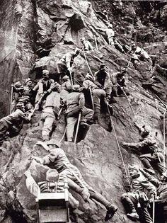 The First World War - The Austro-Hungarian Mountain Brigade in Tyrol Wilhelm Ii, Kaiser Wilhelm, World War One, First World, Haunting Photos, Flanders Field, Man Of War, History Online, Austro Hungarian
