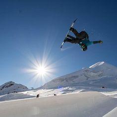 'Tis the season for thermal bracelayers! Compression Pants, Tis The Season, Snowboarding, Photo Credit, Mount Everest, Seasons, Mountains, Travel, Snow Board