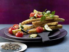 Knusprige Brotecken in Olivenöl - smarter - mit Zucchini und Kirschtomaten. Kalorien: 283 Kcal | Zeit: 15 min. #snack