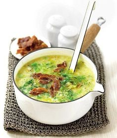 Potato & Savoy cabbage soup with bacon Savoy Cabbage, Cabbage And Bacon, Cabbage Soup, Bbc Good Food Recipes, New Recipes, Soup Recipes, Yummy Food, Czech Recipes, Ethnic Recipes
