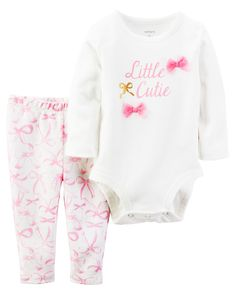 Crafted with a sweet print and super soft cotton, this 2-piece set keeps her cute and comfy for all-day play.