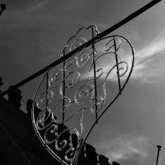 #Romaria de Nossa Senhora D'Agonia – Refracta eilumina De dia refracta e à noite ilumina. Estas são as iluminações das ruas da Romaria de N...