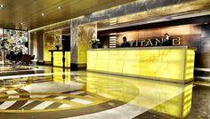 Ruang resepsionis Hotel Titanic yang begitu mewah dan mengagumkan.