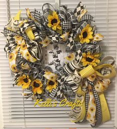 Your place to buy and sell all things handmade Mesh Wreaths, Holiday Wreaths, Burlap Wreaths, Holiday Decorations, Wreaths For Front Door, Front Porch, Bazaar Ideas, Summer Wreath, Spring Wreaths