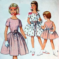 Hey, I found this really awesome Etsy listing at https://www.etsy.com/listing/21635135/girls-vintage-dress-pattern-simplicity