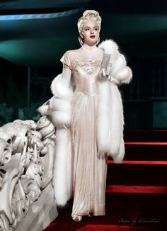 ♥ Pearl Dawn ♥ vintage fashion style color photo print ad model movie star cream sequin beaded gown evening formal dress fur wrap white blond Gorgeous picture of Lana Turner. Hollywood Fashion, Vintage Hollywood, Hollywood Icons, Old Hollywood Glamour, 1940s Fashion, Golden Age Of Hollywood, Hollywood Stars, Classic Hollywood, Vintage Fashion