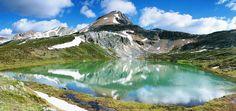 Le lac Agnès, un thé sur les sommets - Ce petit lac de montagne est situé dans le parc national de Banff dans la province d'Alberta, célèbre pour la multitude de lacs qu'elle accueille. Faites une pause panoramique à plus de 2 000 mètres d'altitude dans le petit salon de thé qui s'est installé sur ses rives.