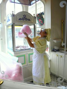 Main Street Confectionary: Time to make the Cotton Candy