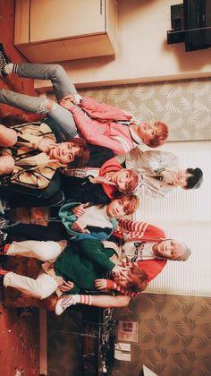 New Bts Wallpaper Jimin Spring Day Ideas Bts Taehyung, Bts Bangtan Boy, Namjoon, Foto Bts, Bts Group Photos, Bts Group Picture, K Wallpaper, Bts Aesthetic Pictures, Bts Lockscreen