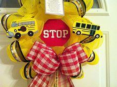 That Big Yellow School Bus!} back to school craftivity, pto back to school ideas, school organization highschool Bus Driver Gifts, School Bus Driver, School Buses, School Wreaths, Teacher Wreaths, Teacher Appreciation Gifts, Teacher Gifts, Classroom Wreath, School Decorations