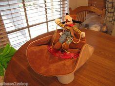 Youth Boys girls RARE Disney Disneyland Paris Goofy cowboy hat costume plush