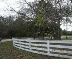 Fence Building, Fencing Design, and Horse Fence Safety Tips