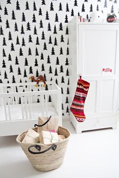 Rustic - Wallpaper Brings great interest to your babies room.......this is PERFECT considering babies only see in black and white for a while... add color as baby's eyes develop. :)