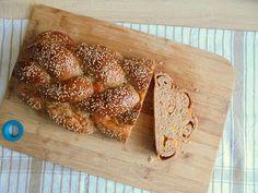Cheddar sajttal töltött fonott kalács Cheddar, French Toast, Bread, Breakfast, Food, Morning Coffee, Cheddar Cheese, Brot, Essen