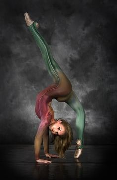Amazing...  #pointe #dance #ballet #dancer #amazing #flexibility #strength #gymnast