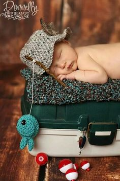 NEW-fisherman set-baby boy hat-newborn photography-photo prop via Etsy. Newborn Bebe, Foto Newborn, Newborn Shoot, Baby Boy Newborn, Newborn Poses, Newborns, Newborn Photo Shoots, Baby Boy Photo Shoot, Baby Boys