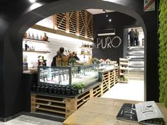 ‪#WeLovePuro‬ is an #icecream #parlour franchising‬ born in 2014 near Salerno. Within two years, stores have become five, this is Welovepuro at Aix en Provence. A distinctive feature of Puro #style is the #furniture‬. Entirely made from pallets and other