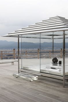 tokujin yoshioka reinterprets the culture of a japanese tea ceremony through a contemporary lens with the design of 'kou-an glass-tea house', sited on the stage of seiryu-den in kyoto. Japanese Architecture, Interior Architecture, Minimal Architecture, Contemporary Architecture, Japanese Tea House, Glass Pavilion, Japanese Temple, Japanese Geisha, Japanese Kimono