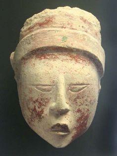Cabeza antropomorfa Maya
