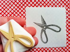 SCISSORS hand carved rubber stamp - hand carved  stamp - sewing scissors - handmade. $8,00, via Etsy.