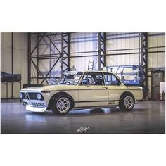 E10 Foto: @hxrny.de #KlasickFtm3nt #BMW #BayerischeMotorenWerke #UltimateDrivingMachine #bmwclassic #e10 #2002