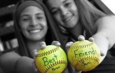 Best Friends Softball Photo {or Sisters} Softball Senior Pictures, Funny Sports Pictures, Basketball Pictures, Sports Photos, Senior Pics, Cheer Pictures, Cheerleading Pictures, Cheer Pics, Team Photos