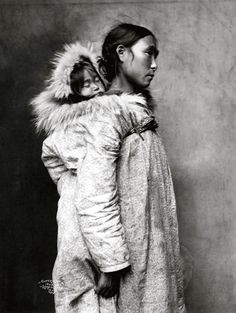 Inuit Mother & Child / Lomen Brothers via eva truffaut