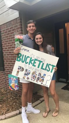 Cute Relationship Goals, Cute Relationships, Creative Prom Proposal Ideas, Homecoming Ideas, Homecoming Posters, Homecoming Dresses, Asking To Homecoming, Girl Ask Guy, Cute Homecoming Proposals