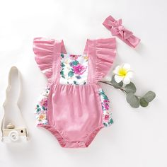 Product Specifics Department Name:BabyItem Type:BodysuitsStyle:NoveltyMaterial:COTTONMaterial:PolyesterGender:Baby GirlsPattern Type:FloralSleeve Length(cm):ShortCollar:O-NeckFit:Fits true to size, take your normal size Floral Bodysuit, Floral Romper, Lulu Kids, Cute Babies, Baby Kids, Matching Family Outfits, Baby Outfits Newborn, Cute Baby Clothes, Summer Baby