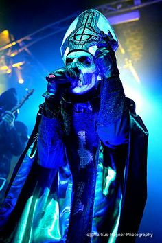Such a perfect shot of Papa Emeritus II. <3 Ghost live @ Markthalle, Hamburg. Markus Hagner Photography.