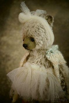Piper Miniature OOAK Mohair Artist Teddy Bear from door aerlinnbears