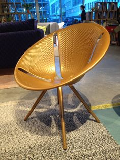 Moroso Diatom by Ross Lovegrove in goud