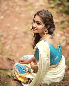 Beautiful Girl Indian, Beautiful Saree, Beautiful Indian Actress, Beauty Full Girl, Beauty Women, Women's Beauty, Beautiful Women Pictures, Most Beautiful Women, South Indian Actress Hot