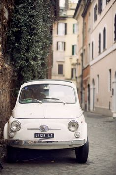 Vintage Fiat in Rome| photography by http://kerrymurray.com/