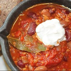 Chipotle Chili #vegan Chipotle Chili, Vegan Chili, Vegan Menu, Vegan Food, Vegan Comfort Food, Vegan Soups, Food Test, Delicious Vegan Recipes, Delish