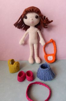 2000 Free Amigurumi Patterns: Emily, the dress up doll