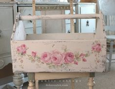 Custom Color and Decorative Shabby Romantic Vintage Style Roses Chalkboard with . - Custom Color and Decorative Shabby Romantic Vintage Style Roses Chalkboard with Shelf - Cajas Shabby Chic, Shabby Chic Vintage, Romantic Shabby Chic, Shabby Chic Crafts, Shabby Chic Interiors, Shabby Chic Bedrooms, Shabby Chic Kitchen, Vintage Diy, Bedroom Vintage