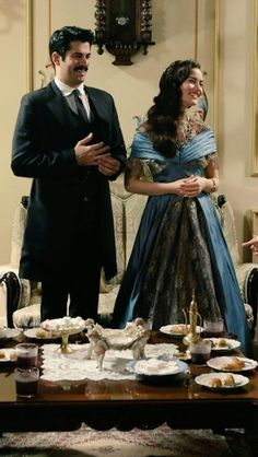Fahriye Evcen Burak Ozcivit Calikusu Movie Couples, Romantic Couples, Tv Series 2013, Burak Ozcivit, Beautiful Love Stories, Turkish Beauty, Beautiful Morning, Romance, Turkish Actors