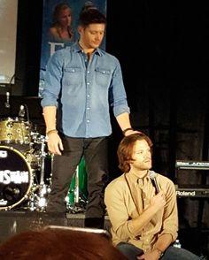 Jared and Jensen's Gold panel at #nashcon2017  Supernatural Nashville Convention  Credit: FangasmSPN