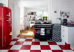 red painted kitchen - Google Search