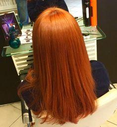 Hair Color Auburn, Auburn Hair, Copper Blonde Hair, Straight Wavy Hair, Hair Threading, Red Hair Blue Eyes, Ginger Hair Color, Wine Hair, Beautiful Red Hair