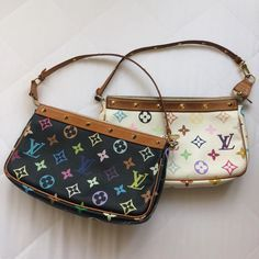 Find tips and tricks, amazing ideas for Prada handbags. Discover and try out new things about Prada handbags site Prada Handbags, Louis Vuitton Handbags, Louis Vuitton Speedy Bag, Purses And Handbags, Luxury Purses, Luxury Bags, Louis Vuitton Vintage, Sacs Louis Vuiton, Aesthetic Bags