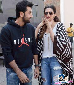 Stars Spotted 2015 -- Ranbir Kapoor and Deepika Padukone snapped at Mehboob Studio Picture # 323373