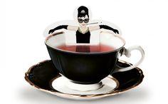 オードリーがカップで入浴!?ユーモアあふれるティーバッグ − ISUTA(イスタ)オシャレを発信するニュースサイト