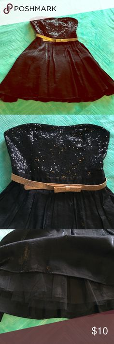 NWOT Black Sequin Mini Party Dress with Gold Belt NWOT fun and flirty black mini dress - top is fitted and covered in mini sequins, skirt has a beautiful sheen to it and a layer of tulle underneath for added body - removable sparkly gold adjustable belt (4 holes) - left hand side zipper closure with small hook and eye - brand new, never worn Forever 21 Dresses Mini